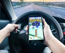 """מפתחת Pokémon Go תובעת האקרים: """"הם מסייעים לשחקנים לרמות"""""""
