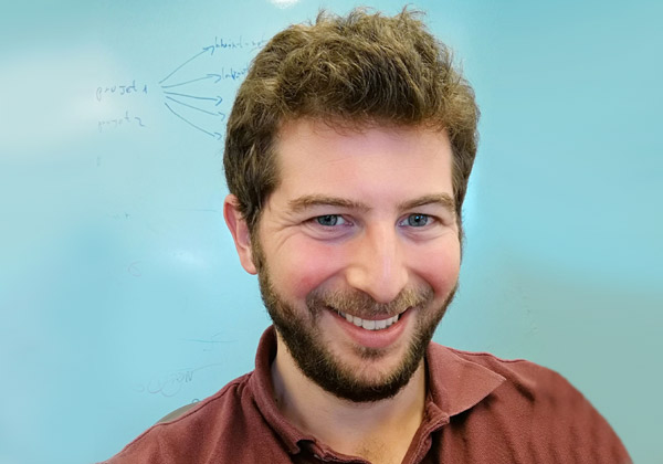 """גיל רוזנברג, ארכיטקט פתרונות, מנהל מסלול Track I: Innovate with Red Hat's embedded solutions. צילום: יח""""צ"""