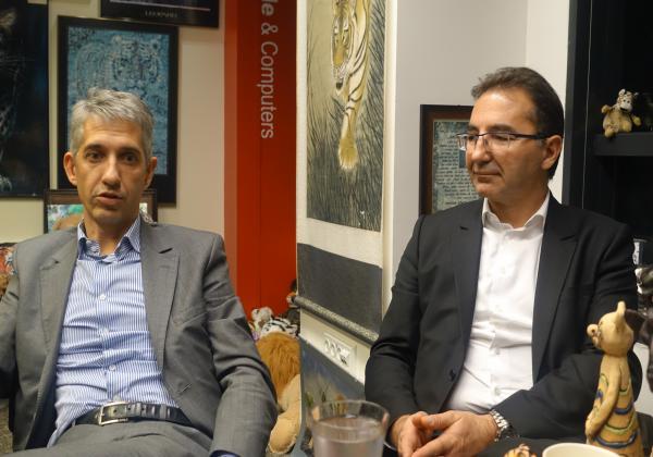 מימין לשמאל: ברונו דוראנד, סגן נשיא מכירות לאירופה, ו-תומא דרוו, סגן נשיא לאזור דרום אירופה, מחברת ג'וניפר. צילום: פלי הנמר