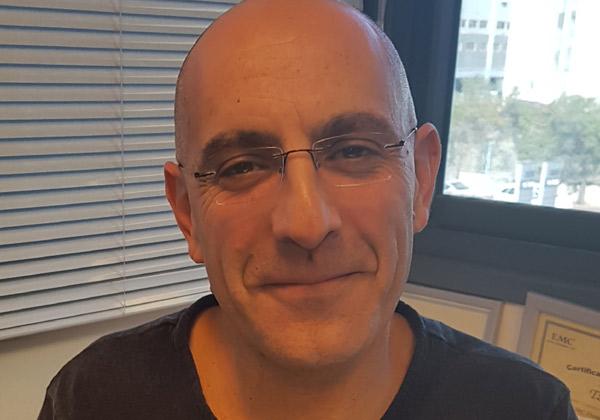 """צחי דרור, מנהל תחום אחסון וגיבוי בחטיבת האינטגרציה והתשתיות של מטריקס. צילום: יח""""צ"""