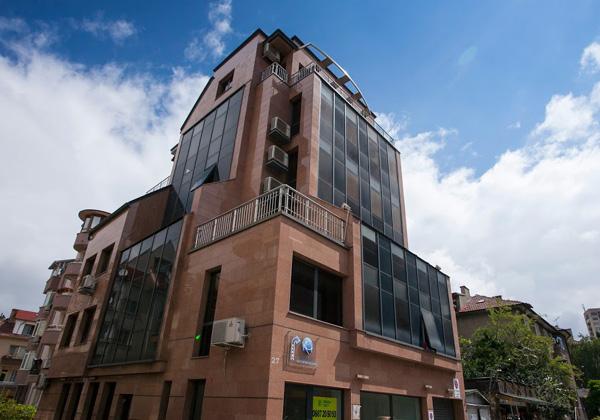 בניין המשרדים שבו שוכן בית התוכנה Develop Soft בסופיה, בירת בולגריה. צילום: פלי הנמר