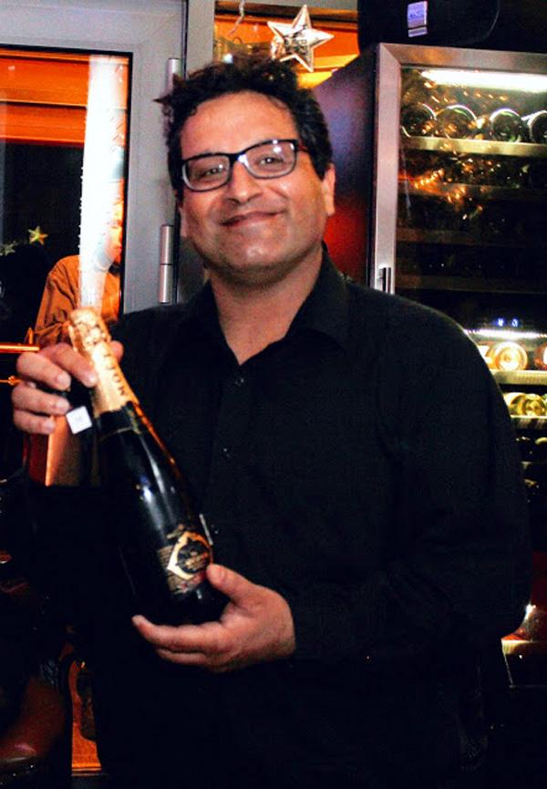 פותח בקבוק: אורן יוסיפון, מנהל הטכנולוגיות הראשי של סלברייט. צילום: פלי הנמר