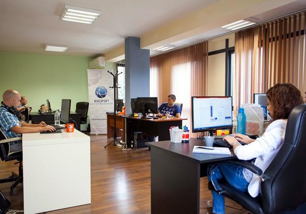 משרדי בית התוכנה Develop Soft בסופיה, בירת בולגריה. צילום: פלי הנמר