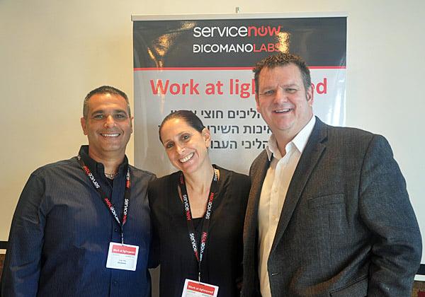 """מימין: כריס פופ, סמנכ""""ל החדשנות של ServiceNow; לימור אפיק, מנהלת אזורית ב-ServiceNow; וגילי סהר, מנכ""""ל דיקומנו לאבס. צילום: יח""""צ"""