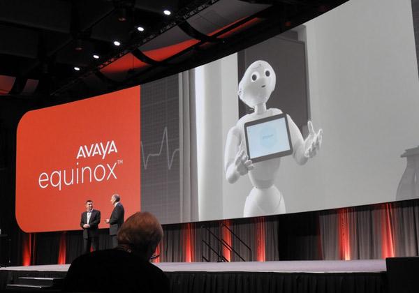 מערכת Equinox בבתי חולים מאפשרת לקבל מידע גם ממכשירי קצה דמויי רובוט אנושי. צילום: פלי הנמר