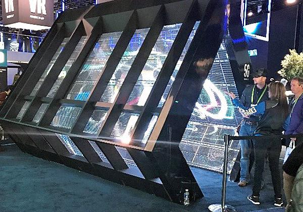 מנהרת ה-LED של אינטל. צילום: נחמה אלמוג