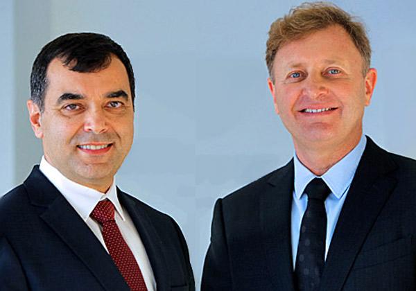 """אקזיט העשור. מימין: זיו אבירם ופרופ' אמנון שעשוע, מייסדי מובילאיי. צילום: יח""""צ"""