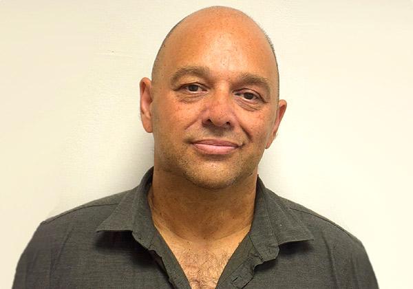 חואן רובר, מנהל קבוצת הקוד הפתוח בחטיבת מוצרי התוכנה של מטריקס. צילום: הדר צדקה חזן