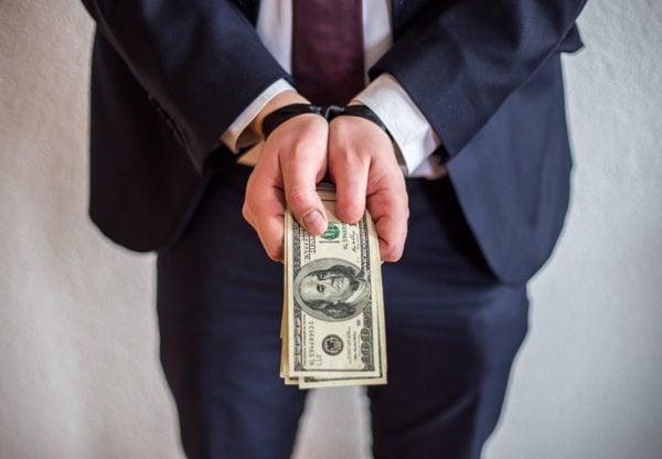 נכנס כסף נשמר סוד. אילוסטרציה: HappyLenses/BigStock