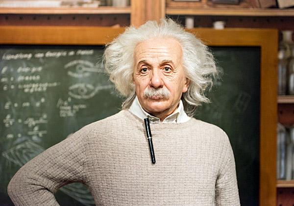 בובה של אלברט איינשטיין במוזיאון השעווה באיסטנבול. צילום: Grey82, BigStock