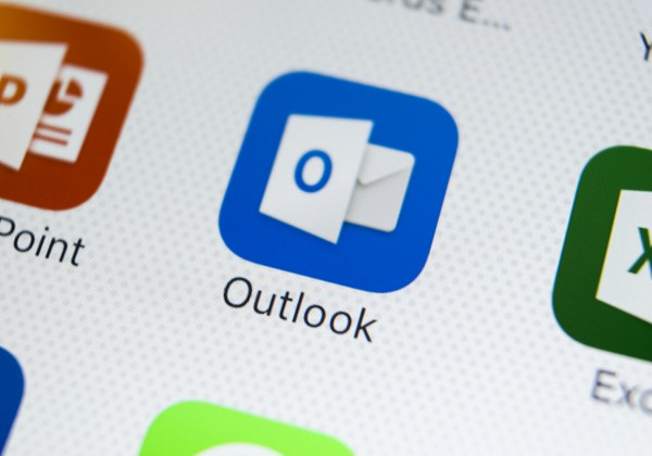 Outlook. אילוסטרציה: BigStock