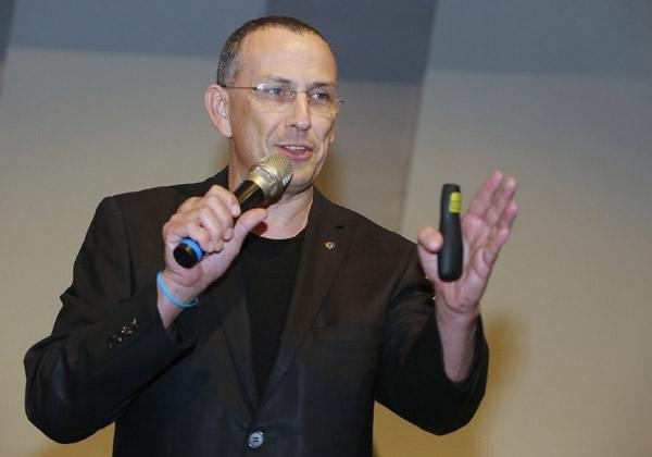 """עו""""ד מוטי קריסטל, מומחה למשא ומתן וניהול משברים. צילום: ניב קנטור"""