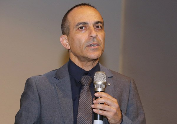 מנהל המרכז הרפואי וראש ועדת ההשקעות של קרן inVITA. פרופ' רוני גמזו. צילום: ניב קנטור