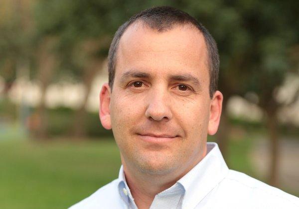אלחנן שפירא, מנהל השירות הבולאי. צילום: הדר אירועים מודיעין.