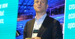 ג'ו קוטר, מנהל הנתונים הראשי בבנק הבלגי BNP Paribas Fortis, במליאת כנס Fintech Junction. צילום: ניב קנטור