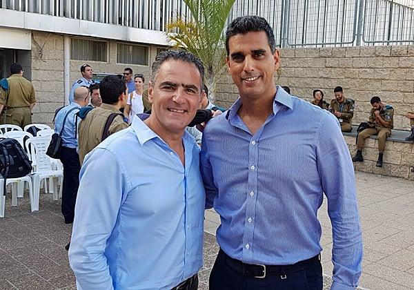 """ספקים חולקים כבוד. מימין: שי נוני, מנכ""""ל קומוולט ישראל; ודניאל מלכה, מנכ""""ל יבמ ישראל. צילום: פלי הנמר"""