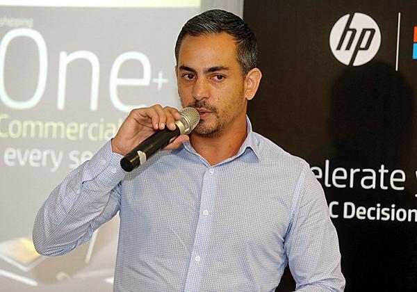 אלירן בן עזרא, מנהל מוצרי ניידים עסקיים ותחנות ב-HP ישראל. צילום: ניב קנטור