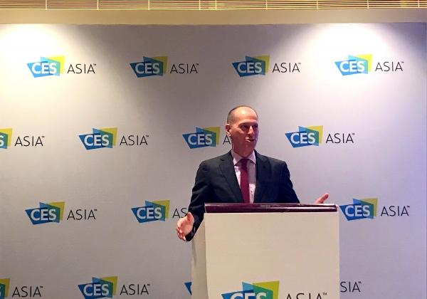 """גארי שפירו, מנכ""""ל ה-CTA, בתערוכת CES Asia, סין. צילום: אבי בליזובסקי"""