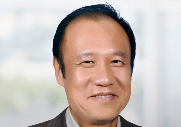 קן קסי, מנכ''ל מייסד ויו