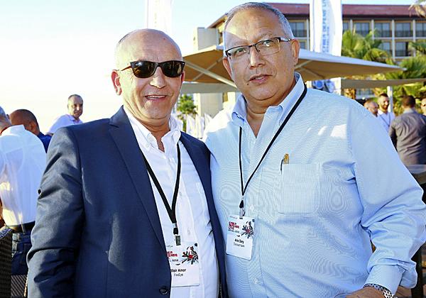 מימין: אריה דרעי, מנהל זרוע הטכנולוגיות של בנק דיסקונט, ומאיר עמור, מנהל פעילות FireEye בישראל. צילום: ניב קנטור
