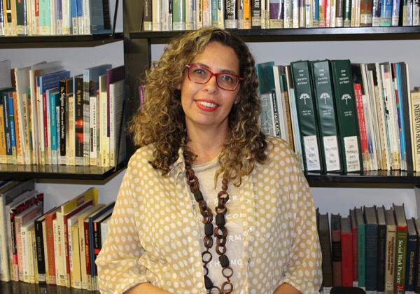 """טליה אלג'ם, רכזת תכניות לימודים וקורסים בבית איזי שפירא. צילום: יח""""צ"""