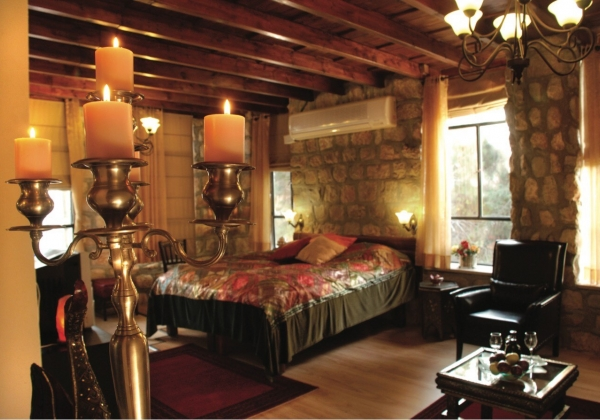 """חדר במלון """"בית שלום מטולה"""". צילום: לירז פאנק"""