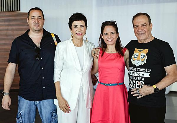 עם שירה רז-מייזנר, מנהלת השיווק של מטריקס, ובעלה