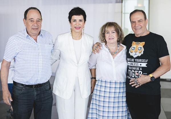 """הנמר והקוסמת עם ברוך גינדין, המייסד והמנכ""""ל לשעבר של גרטנר ישראל, וכיום מוביל קבוצת ההיי-טק של מועדון ההשקעות """"מועדון ה-100"""", ואשתו"""