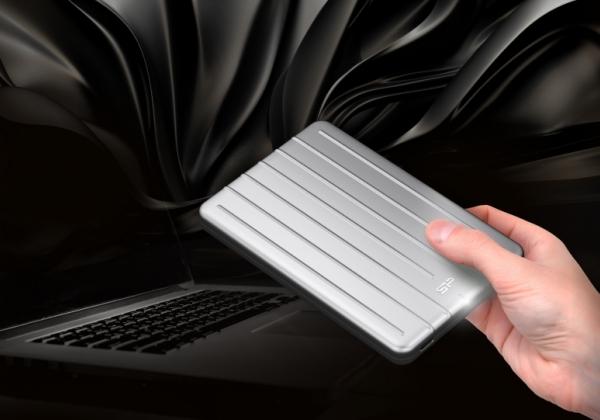 Silicon Power Bolt B75. צילום: סיליקון פאור