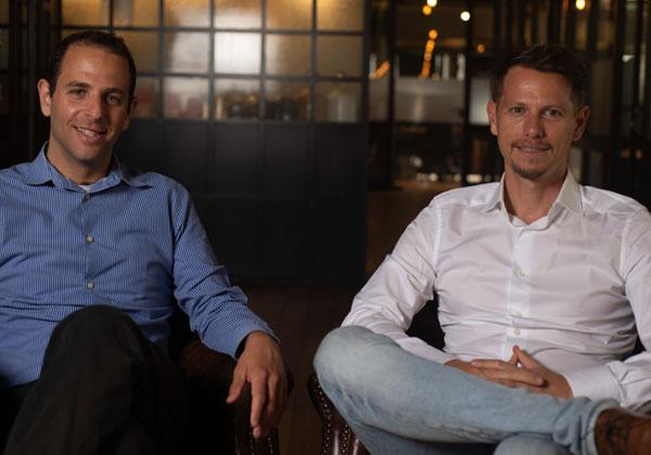 מייסדי אורורה לאבס.  אורי לדרמן (משמאל) וזוהר פוקס. צילום: בר סטפנסקי