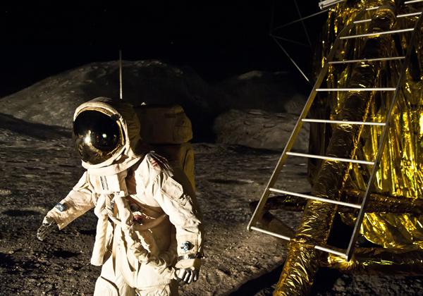 האם המחשוב יסייע לאסטרונאוטים שינחתו על המאדים? הנחיתה על הירח. צילום: BigStock