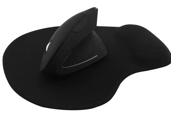 """העכבר האנכי החדש של צ'י. צילום: יח""""צ"""