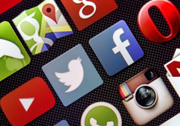 פייסבוק, טוויטר ויוטיוב. צילום: BigStock