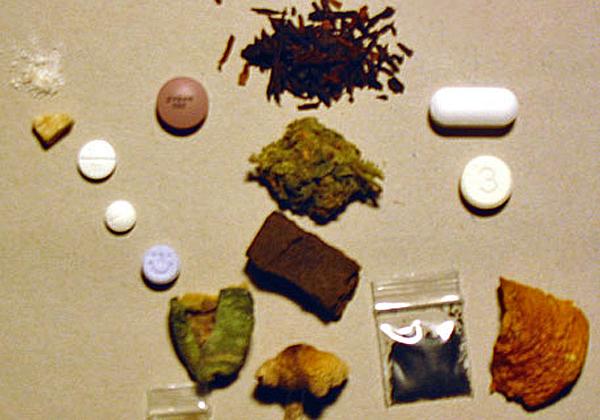 מיליארדר היי-טק וחשוד בסחר בסמים. צילום אילוסטרציה: Thoric, מתוך ויקיפדיה