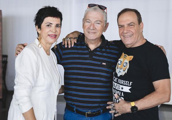 """עם אוסי לאונר, ידיד ותיק של הנמר, עוד מתיכון עירוני ה' בתל אביב (ואחר כך מממר""""ם ומיבמ), לשעבר מנכ""""ל תדיראן מערכות מידע"""
