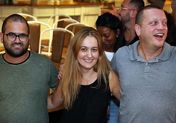 משמאל: סלבה דוידוב, מומחה סיסטם; לנה מזמר, מנהלת משאבי אנוש; וליאוניד רבינוביץ', ארכיטקט סיסטם ב-Comm-IT. צילום: בלה מזמר
