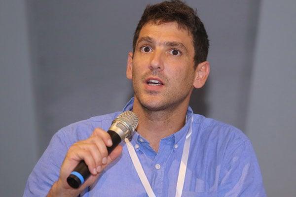 """אגמון דויד פורת, מנכ""""ל מעבדת החדשנות לתעשייה חכמה LET LAB בהמ-לט. צילום: ניב קנטור"""