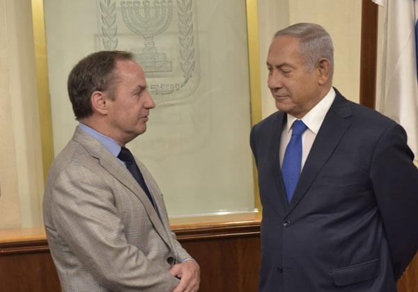 """בוב סוואן, המנכ""""ל הזמני (דאז) של אינטל, בפגישתו באוקטובר האחרון עם ראש הממשלה, בנימין נתניהו. צילום: תקשורת ראש הממשלה"""