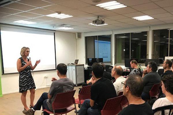 ליאורה שכטר, מנהלת אגף המחשוב בעיריית תל אביב. צילום: רלי כהן
