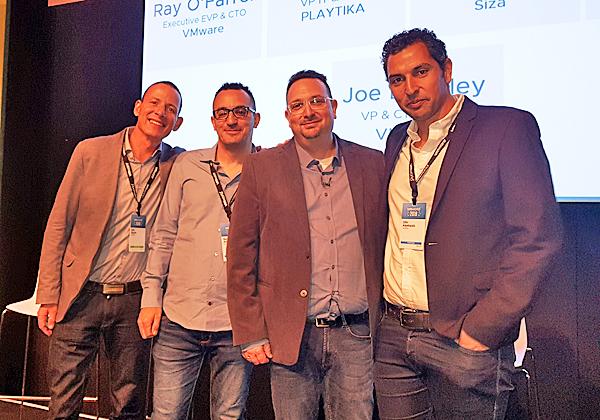 """משמאל: כפיר שפיר, מנהל תיקי לקוחות ב-VMware ישראל; גיא אלמוג, מנהל הנדסה בפלייטיקה; ארז רחמיל, סמנכ""""ל IT ופיתוח בפלייטיקה; ואופיר אבקסיס, מנכ""""ל טרהסקיי. צילום: פלי הנמר"""