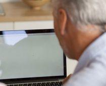השר היפני הממונה על ביטחון הסייבר בקושי משתמש במחשב