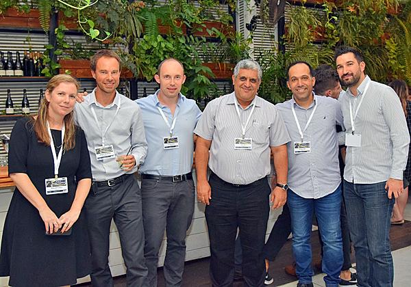 מימין: לאורנט באלדיאל – מנהל שיווק וערוצי הפצה ב-IT באיטון; אשר בוחניק, מנהל מוצרי איטון ב-CMS; יוסי כהן, מנכ