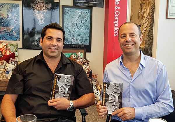 """באו לבקר במאורת הנמר: יוחאי בראב, מנכ""""ל BCI בראב מחשבים, ואמיר שולץ, סמנכ""""ל בחברה. צילום: פלי הנמר"""