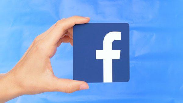 פייסבוק מתכננת עוזרת קולית שתתעלה על אלקסה וסירי