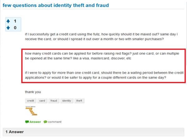 עבריין רשת מתייעץ בפורום בדארקנט על הדרכים היעילות ביותר לבצע הונאת אשראי בעזרת זהויות פיקטיביות או סינתטיות (מסומן באדום). מקור: BioCatch/דניאל שקדי.
