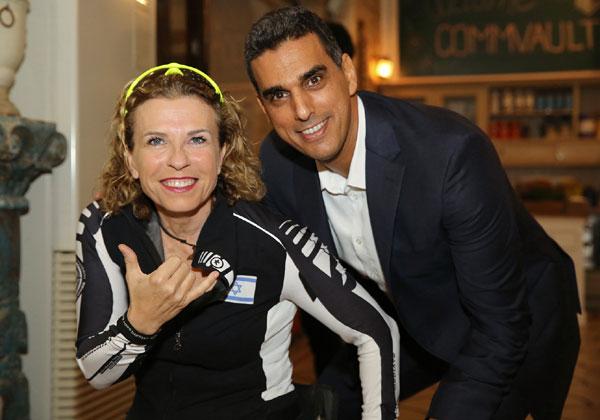 """מימין: שי נוני, מנכ""""ל קומוולט ישראל, והספורטאית האולימפית פסקל נועה ברקוביץ'. צילום: ניב קנטור"""