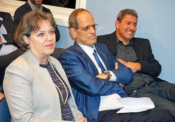 """מימין: מוטי גוטמן, מנכ""""ל מטריקס; חזי כאלו, מנכ""""ל בנק ישראל; וד""""ר נדין בודו–טרכטנברג, המשנה לנגיד הבנק. צילום: פלי הנמר"""