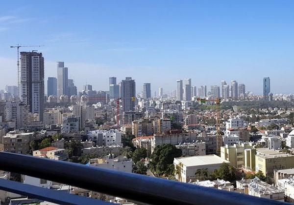 המרפסת של אמפרסנד היא מקום מומלץ להגיע אליו, כי הנוף עוצר נשימה. צילום: פלי הנמר