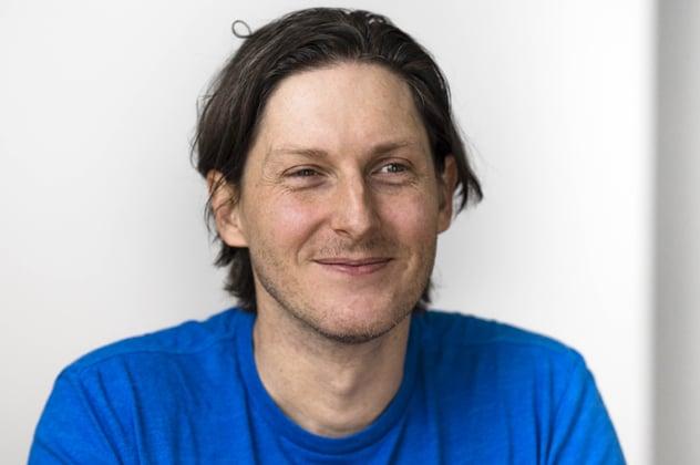 "גלן גור, ארכיטקט פתרונות ראשי, אמזון ווב סרביסז (AWS). צילום: יח""צ"