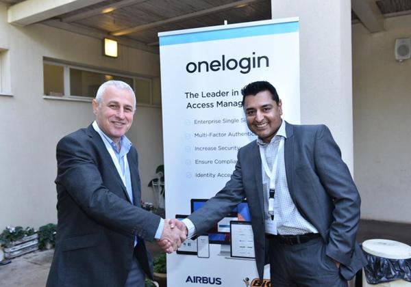 משמאל: ראובן מייסטר, מנכ''ל סימפוניה פתרונות; וסאני ג'ושי, מנהל המכירות לאזור EMEA ב-OneLogin. צילום: אלוניס צילום